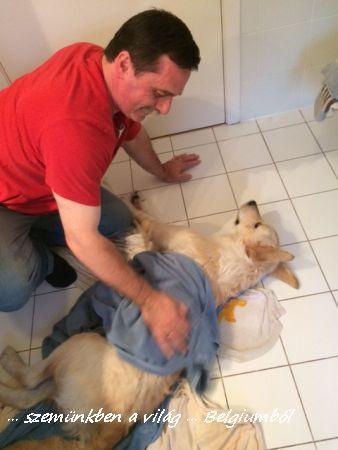 Charlie első fürdetése12